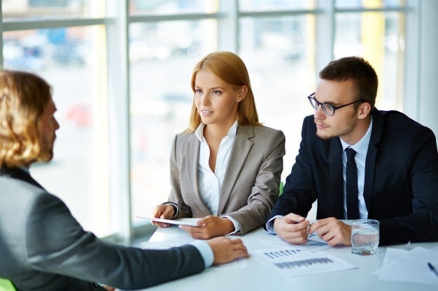 right interview questions for choosing the right talenmt